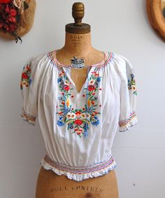 Vintage 1940s 1950s Peasant Blouse - 40s 50s Hungarian Top.