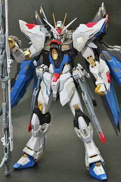 Metal Build Strike Freedom Gundam - Photo Gallery by Chad Dalisay Gundam Toys, Gundam Art, Armored Core, Sf Movies, Strike Gundam, Frame Arms Girl, Gundam Custom Build, Sci Fi Models, Cool Robots