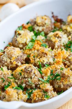 Crispy Buttery Garlic Roasted Mushrooms // a great recipe for entertaining
