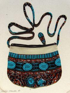 Sac plissé wax tissu motif africain marron et turquoise (envoi 0€) : Sacs bandoulière par cewax Tous les articles Céwax sont des pièces uniques et sont fabriqués à la main en France. www.cewax.fr