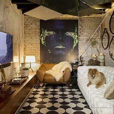 Lindo projeto da @hausengenho para a Casa Cor SC! Abajur Lumiere da @foscarinilamps!!  #Haus #architecture #design #decoração #interiordesign #interiores #instadecor #homedecor #designdeinteriores #arquitectura #archilovers #projeto #decoration #interior #instadesign #homedesign #instahome #architect #lifestyle #interiorstyling #interiordecor #interiors #mood #casacor #casacor2016 #casacorsc #saladetv #sala  #ouseiluminação #lightdesign