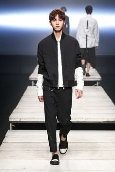Male Fashion Trends: D.Gnak Spring-Summer 2017 - Seoul Fashion Week