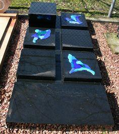 graf- urn monument abstract | Glazen Nest, Brenda Bleijenberg, Oldenzaal, grafmonumenten in glas, glasfusing