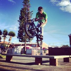 Andres Caviedes barspin instagram