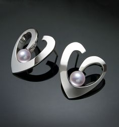 Argentium silver and pearl earrings designed by David Worcester for VerbenaPlaceJewelry.Etsy.com