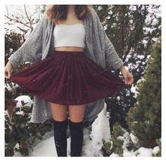 i dont know how this girl isn't freezing! but its a perfect outfit for a California fall