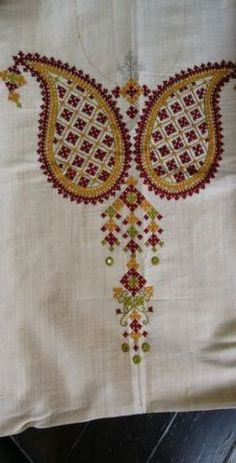 Kutch work kurta by sonal Embroidery On Kurtis, Hand Embroidery Dress, Kurti Embroidery Design, Embroidery Neck Designs, Embroidery Works, Indian Embroidery, Hand Embroidery Stitches, Embroidery Techniques, Embroidery Patterns