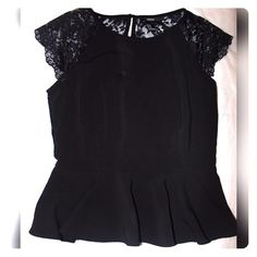 Cute Lacey Top Black Lacey Back Top Forever 21 Tops Blouses