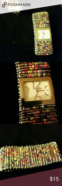 WATCH QUARTZ, NWOT* STRETCHABLE  ,SEED BEADS  ON PINS, MADE WELL, * HAS NEW BATTERY INSTALLED TODAY.GREAT STATEMENT  PIECE. .. BUNDLE TO SAVE. Jewelry