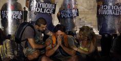 Otto mesi per trovare lavoro. Nuove misure di austerità attuate dal governo greco di Antonio Samaras. Gli impiegati del settore pubblico alle strette. (Reuters/Yannis Behrakis)