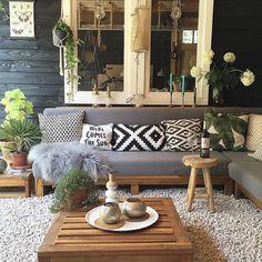 Traditional Interior Design Ideas For A Beautiful Home Modern Backyard, Backyard Patio, Gravel Patio, Backyard Retreat, Backyard Projects, Backyard Ideas, Garden Ideas, Outdoor Rooms, Outdoor Furniture Sets