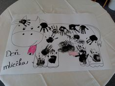 Odtláčanie dlaní. Petra, Den, Diy And Crafts, Paper Plates, Activities, Animales, Manualidades