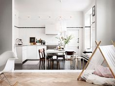 Style and Create — Pure inspiration in a lovely home tour reportage...
