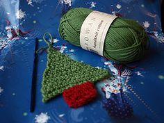 Crochet Christmas Tree - first attempt by Little Tin Bird