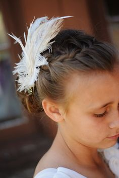 easy DIY feather fascinator