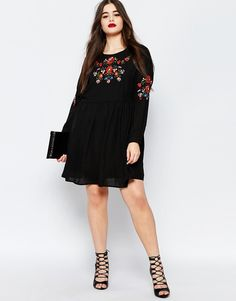 Image 4 of Missguided Plus Embroidered Folk Dress