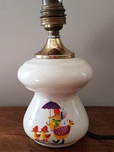 Lampe en céramique, motif enfantin.