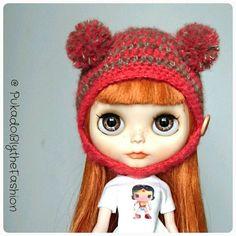 Blythe Fuzzy pompom hat #kawaii #Blythe #blythehat #teddybear #BlytheCon #doll #customblythe https://www.etsy.com/listing/290354249/blythe-hat-fuzzy-mini-pompom-ooak