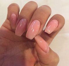 nails and pink εικόνα
