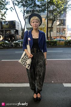HIROMI Harajuku, Tokyo SUMMER 2011, GIRLS Kjeld Duits STUDENT, 19  • Jacket – Forever21 • Pants – N/A • Sandals – N/A