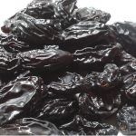These delicious dried plums contains no pits and are ideal for cooking and snacking. Pitted prunes taste great, and are also very healthy - naturally sweet, fat free, and high in fiber and potassium! Dried Plums, Dried Apricots, Dried Fruit, Quick Snacks, Healthy Snacks, Pili Nut, Prune Plum, Pitted Prunes, Gram Of Sugar