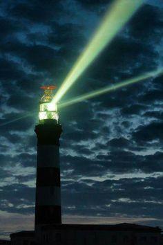 El faro más poderoso del mundo en Quessant isla en Francia