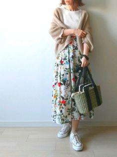 ご覧いただきありがとうございます 「ベージュ × ボタニカル」 お気に入りのボタニカルスカートを