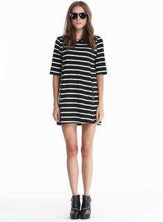 Black White Half Sleeve Striped Pockets Dress