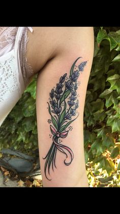 Traditional lavender tattoo - All About Feather Tattoos, Nature Tattoos, Foot Tattoos, Arm Tattoo, Body Art Tattoos, Armband Tattoo, Bird Tattoos, Henna Tattoos, Tribal Tattoos