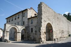 Porta Romana district in Ascoli Piceno - Ascoli On the Road!