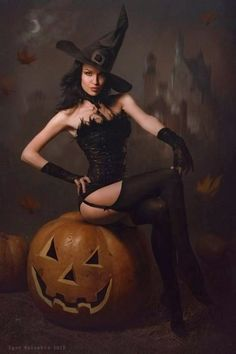 Voloshin, Igor (b,1963)- Halloween Witch, I