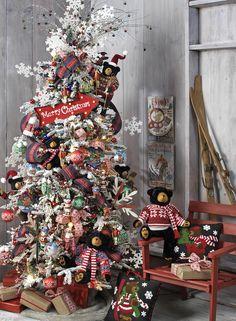 Raz Imports Christmas Themes for 2017 Pre Decorated Christmas Tree, Creative Christmas Trees, Christmas Tree Design, Beautiful Christmas Trees, Christmas Tree Themes, Holiday Tree, Christmas Love, Country Christmas, Xmas Tree