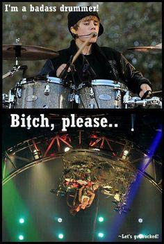 Tommy Lee beats Bieber <3