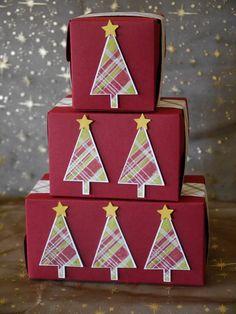 Süße Kleinigkeiten - in diesen schönen Boxen machen sie gleich noch mehr Freude. Besonders edel wirken sie mit einer Bordüre aus dem Designerpapier Fröhliche Feiertage und dem dem Tannenbaummotiv aus dem Stempelset Freude zur Weihnachtszeit von Stampin'  Up! #Weihnachten #Stampinup #Geschenkverpackung #DIY #Stempel