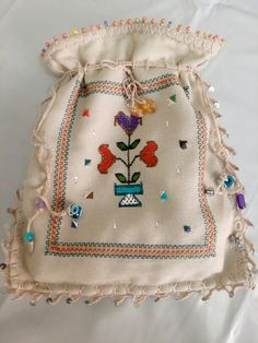 Cute Tote Bags, Reusable Tote Bags, Embroidery Stitches, Hand Embroidery, Lavender Bags, Frocks For Girls, Cloth Bags, Favorite Holiday, Mini Bag