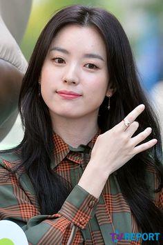 Han Hyo Joo Lee Jong Suk, Jung Suk, Kdrama Actors, Tv Actors, Actors & Actresses, Korean Actresses, Asian Actors, Korean Actors, Korea Fashion