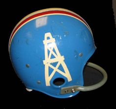 Denver Broncos Helmet, Nfl Football Helmets, Retro Football, School Football, Vintage Football, American Football League, National Football League, Houston Oilers, Helmet Logo