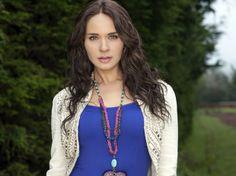 La hermosa Adriana Louvier luciendo collar Jenny Rabell. Compra accesorios Jenny Rabell aquí: http://jennyrabelltienda.com/
