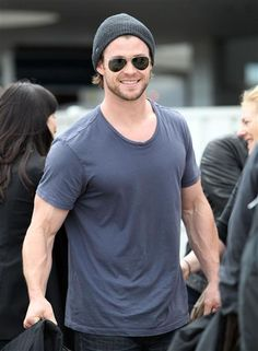 Chris Hemsworth. Those are some vein-y arms!
