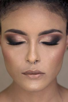 Curso de Maquiagem Online - O maior treinamento do Brasil com 31h Glam Makeup, Makeup Tips, Beauty Makeup, Beautiful Eye Makeup, Beautiful Eyes, Paradise Girl, Eyeshadow Looks, Eyebrow Makeup, Black Girl Magic