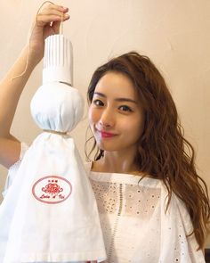 Ishihara Satomi has now become one of the most popular Japanese actress among the world.With only a smile, she can catures millions of people's hearts. Satomi Ishihara, Japanese Makeup, Asian Babies, Asian Actors, Ulzzang Girl, Japanese Girl, Beautiful Actresses, Beauty Women, Actors & Actresses