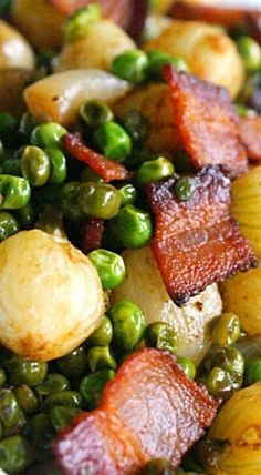 Pearl Onions, Peas and Bacon Medley - a simple and delicious side dish that is seasoned with smoked paprika and brown sugar. ❊ side dishes Pearl Onions, Peas and Bacon Pea Recipes, Onion Recipes, Milk Recipes, Side Dish Recipes, Vegetable Recipes, Cooking Recipes, Peas And Pearl Onions Recipe, Pearl Onion Recipe, Vegetable Sides