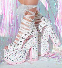 schuhe 50 Platform Shoes That Will Make You Look Fantastic shoes heels White Ballet Shoes, White Platform Shoes, Ballerina Shoes, Lace Up Shoes, Sparkly Shoes, Platform Sneakers, Dress Shoes, Sandals Platform, White Heels