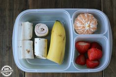 5 Back to School Lunch Ideas for Picky Eaters e If your child is a picky eater, we have you covered! Here are 5 Back to School Lunch Ideas for Picky Eaters! Your kiddos will love these lunch ideas. Back To School Lunch Ideas, School Lunch Box, Lunch Boxes, School Days, Healthy School Lunches, School Snacks, Buffets, Kids Meals, Family Meals