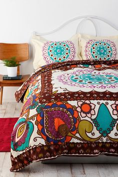Mod Boho Duvet Cover adds some bright color to your bedroom My New Room, My Room, Dorm Room, Hm Deco, Boho Duvet Cover, Duvet Covers Urban Outfitters, Double Duvet Covers, Deco Boheme, Hippie Style
