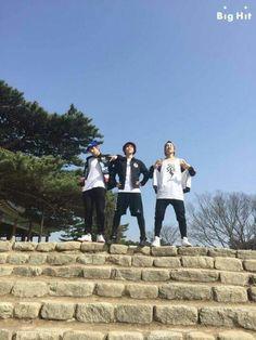 BTS: Taehyung, Jimin and Hoseok on a spring walk ☺️ Foto Bts, Bts Photo, Hoseok, Seokjin, Namjoon, Jimin Jungkook, Bts Bangtan Boy, Bts Taehyung, Bts Signatures
