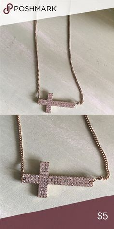 Gold with diamond cross necklace Like new cross necklace Forever 21 Jewelry Necklaces