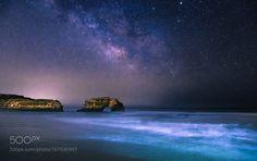 Star Bridge  Milky Way over Natural Bridges state beach in Santa Cruz…