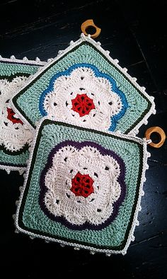 Moroccan Tile Coaster, free pattern by Nancy Fuller