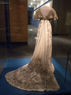 Helen Taft's Inaugural Ball Gown, 1909 - Smithsonian Museum of Am History.